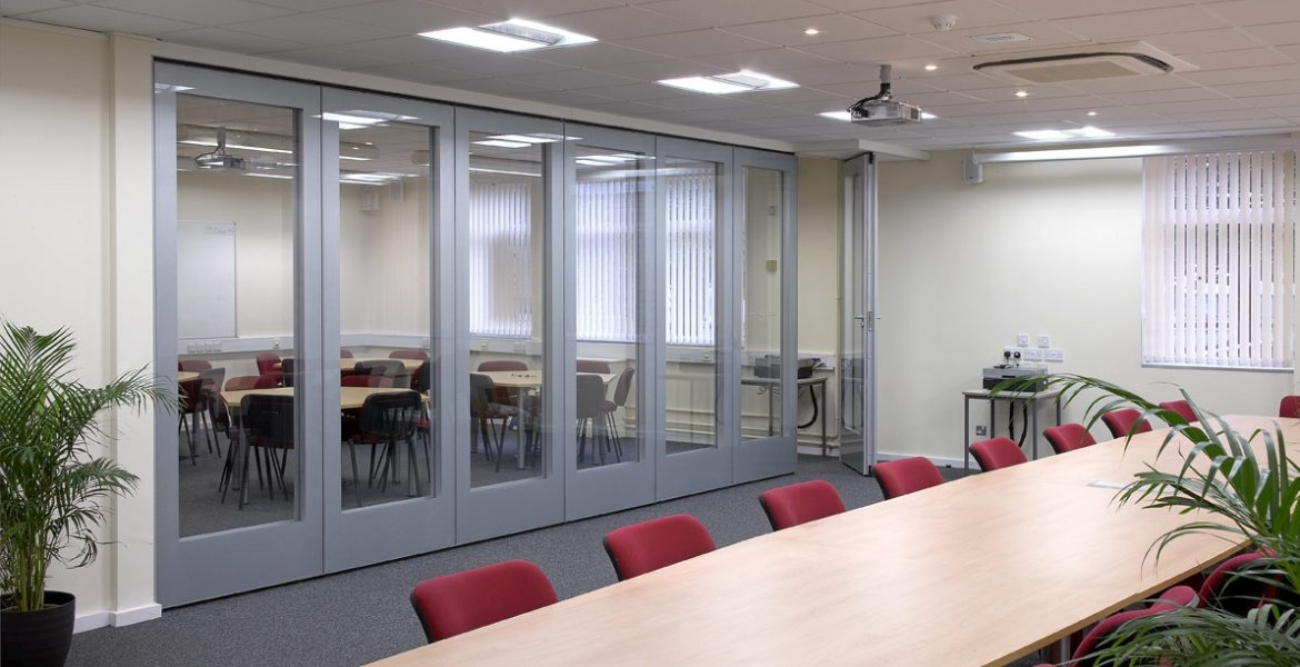 GS100 Double Glazed Movable Wall 0