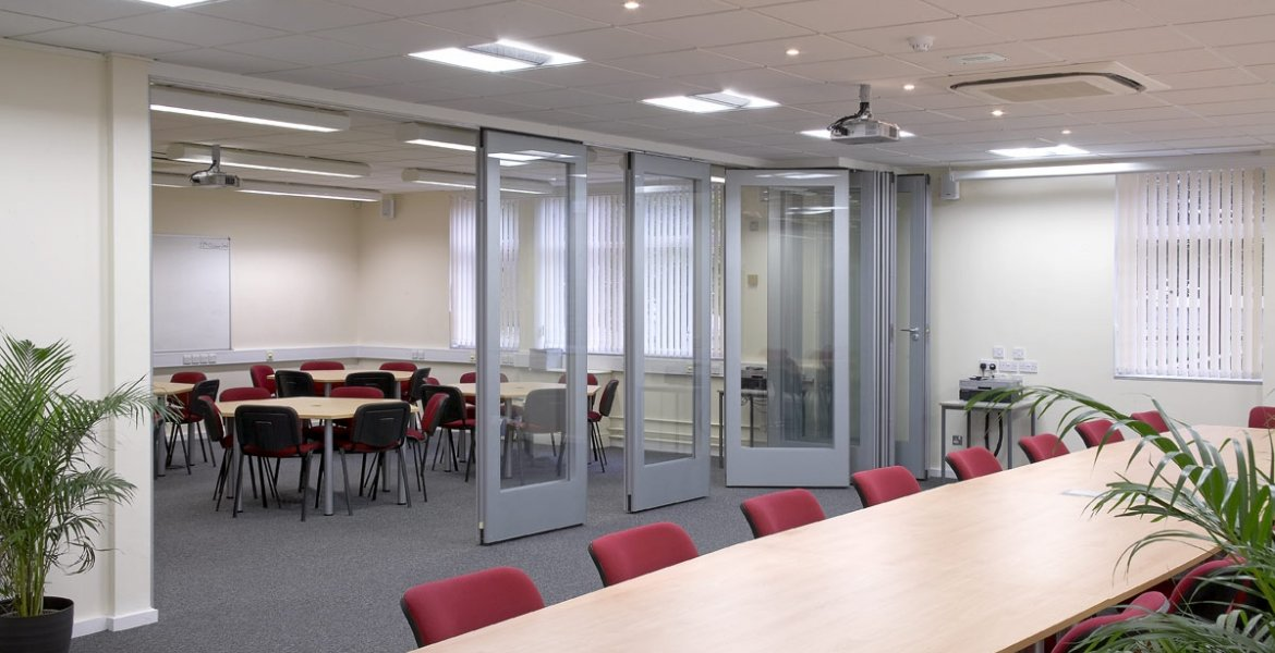 GS100 Double Glazed Movable Wall 1